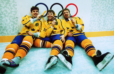 Left to right : HAKAN LOOB, MATS NASLUND and TOMAS JONSSON for Tre Kronor at the 1994 Winter Olympic Games in Lillehammer, Norway.